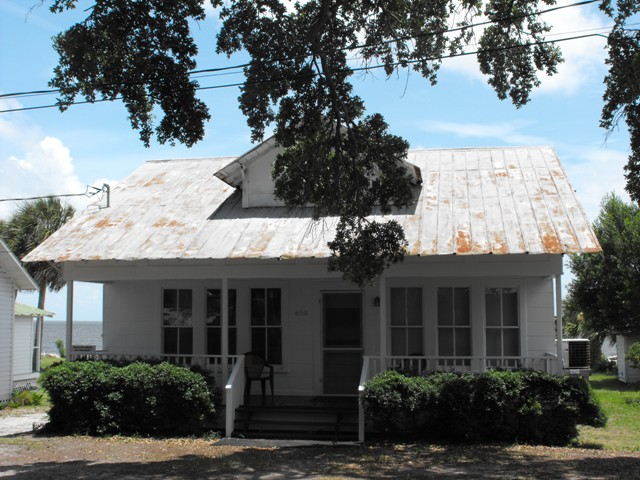 Stay in Eva Maes Cottage when you're in Cedar Key