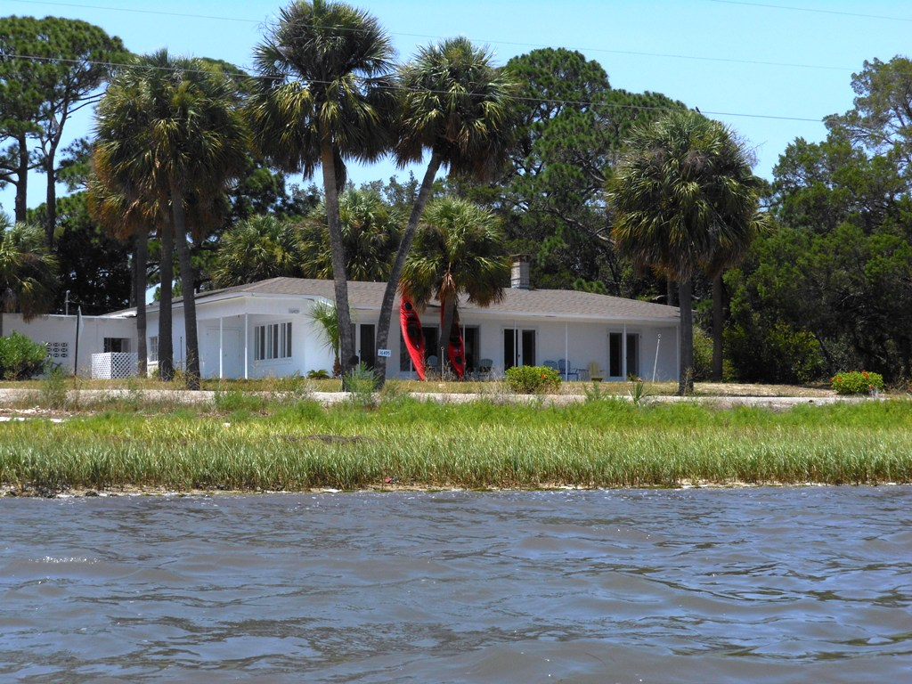 Admirable Cedar Key Florida Vacations Rentals On The Waterfront Download Free Architecture Designs Sospemadebymaigaardcom