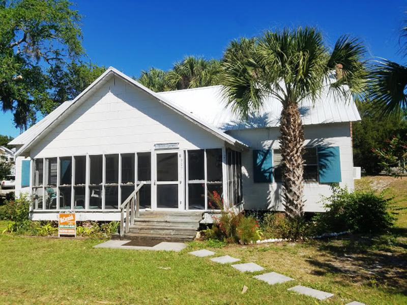 Miraculous Cedar Key Florida Vacations Rentals On The Waterfront Download Free Architecture Designs Sospemadebymaigaardcom